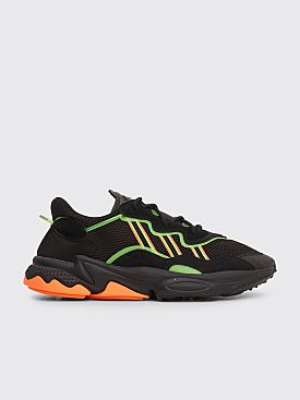 adidas Ozweego Core Black / Hi-Res Green