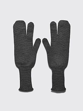 Maison Margiela Tabi Knitted Wool Gloves Grey
