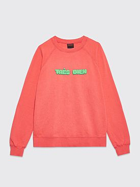 Très Bien Souvenir Sweatshirt Chubby Font Coral