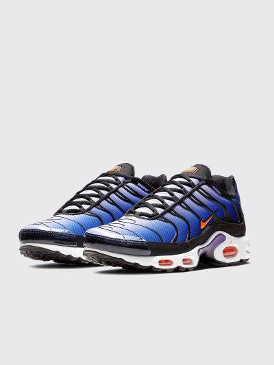 online store f73b2 33ff3 Très Bien - Nike Sportswear Air Max Plus OG Black   Total Orange ...