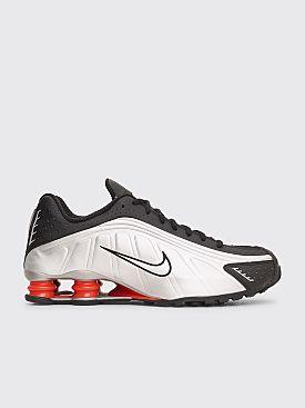 add266c86a9 Nike Sportswear Shox R4 Black   Metallic Silver