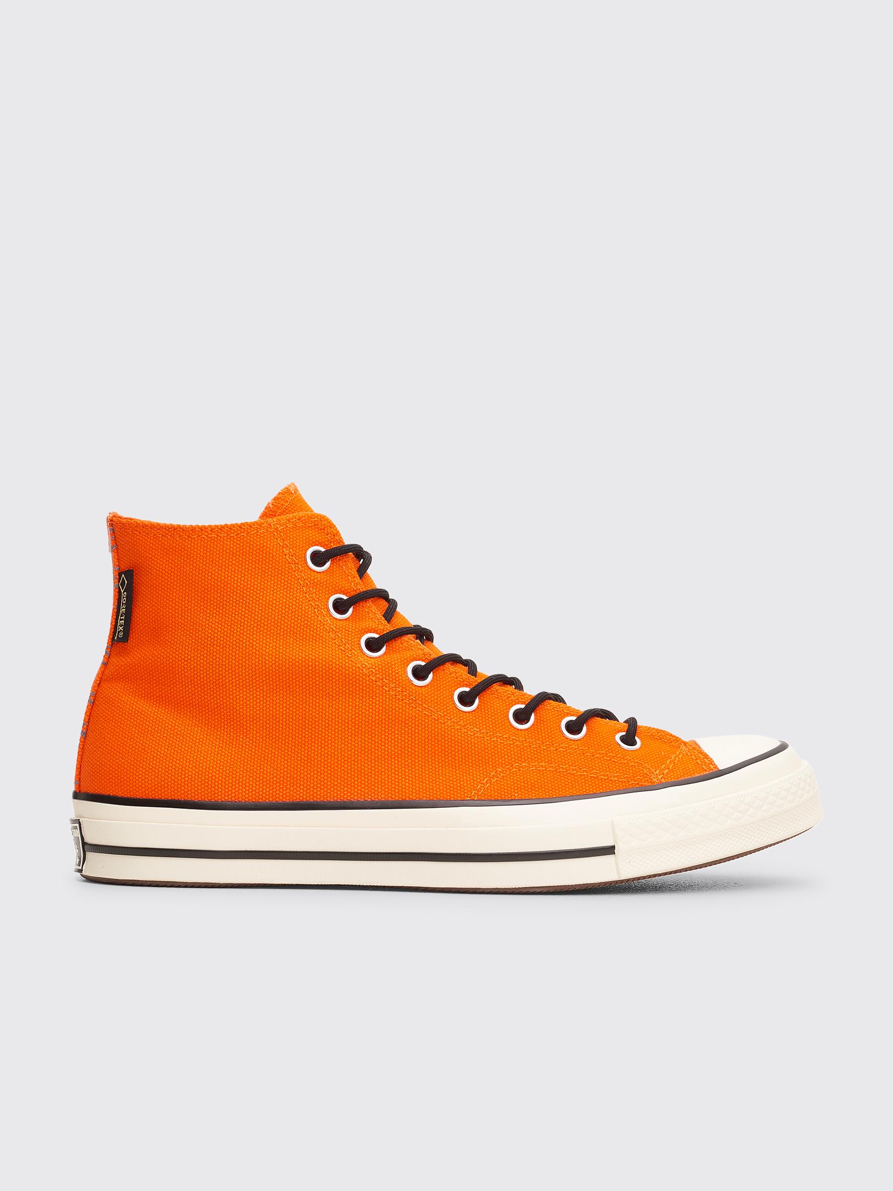 97c5d78617d31 Très Bien - Converse Chuck 70 Hi Gore-Tex Orange