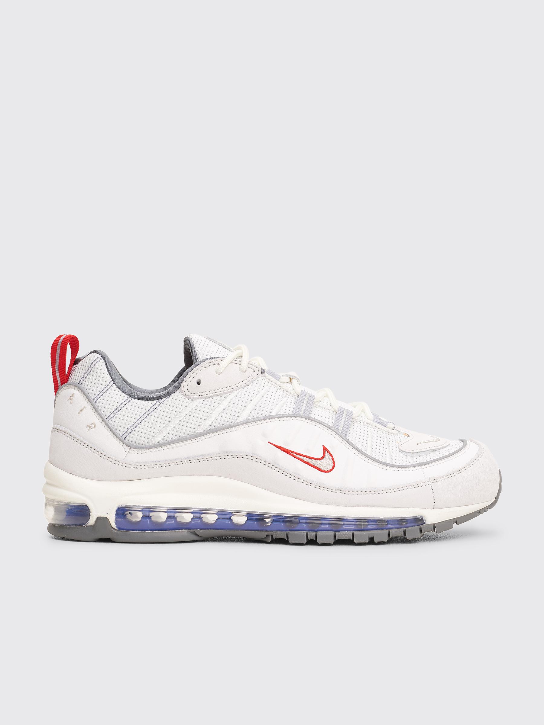 online store bda3c a239e Très Bien - Nike Air Max 98 Summit White   Metallic Silver