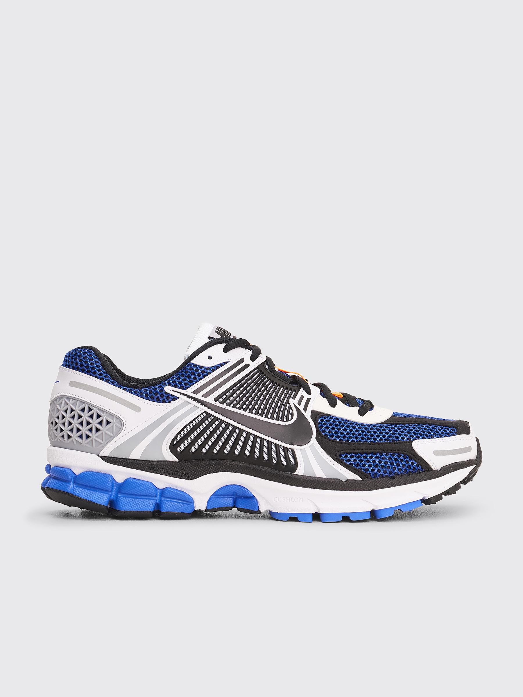 uk availability 89032 383ae Très Bien - Nike Zoom Vomero 5 SE SP White   Racer Blue