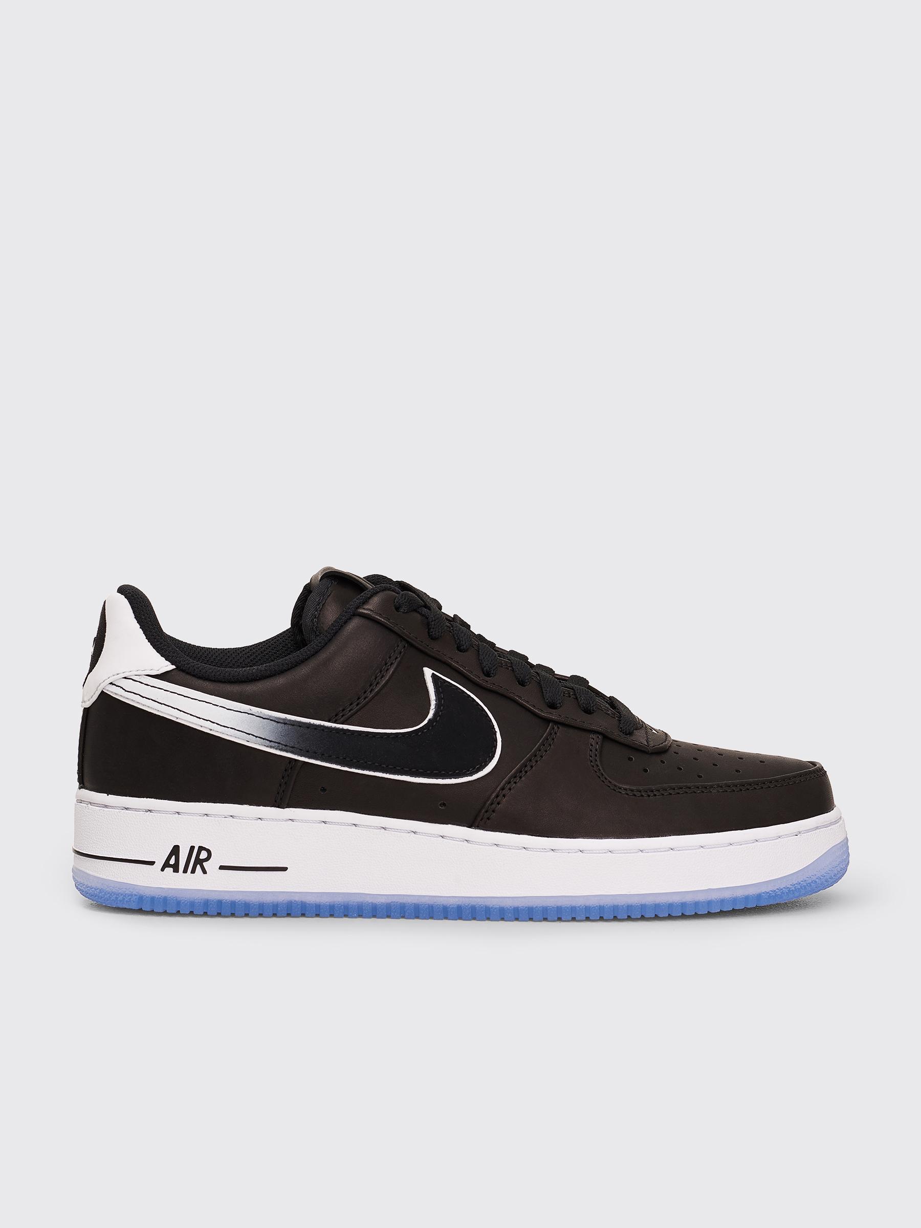 Nike x Colin Kaepernick Air Force 1 </p>                     </div>   <!--bof Product URL --> <!--eof Product URL --> <!--bof Quantity Discounts table --> <!--eof Quantity Discounts table --> </div>                        </dd> <dt class=