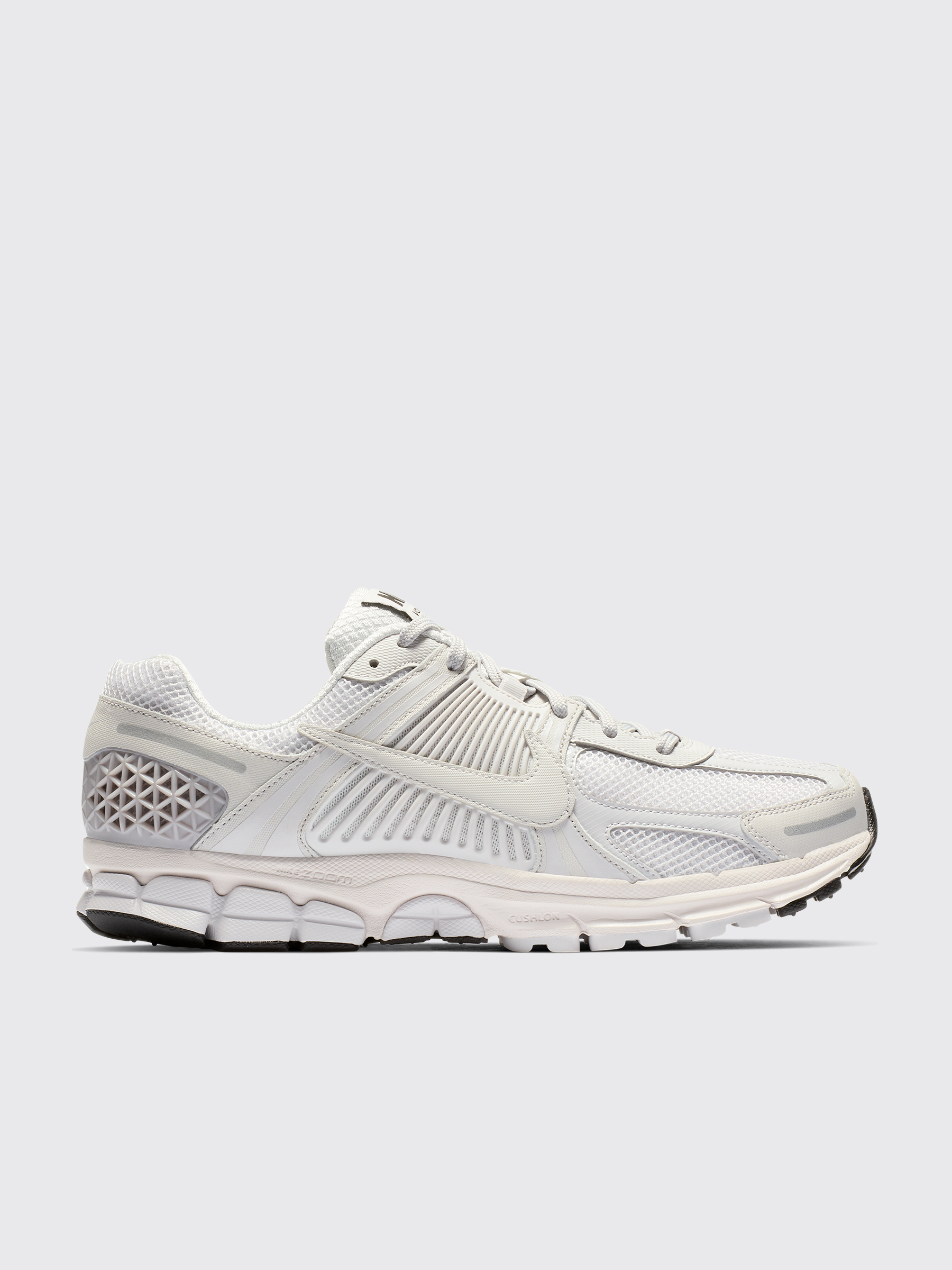 62b92c8bfe1 Très Bien - Nike Zoom Vomero 5 SP Vast Grey   White