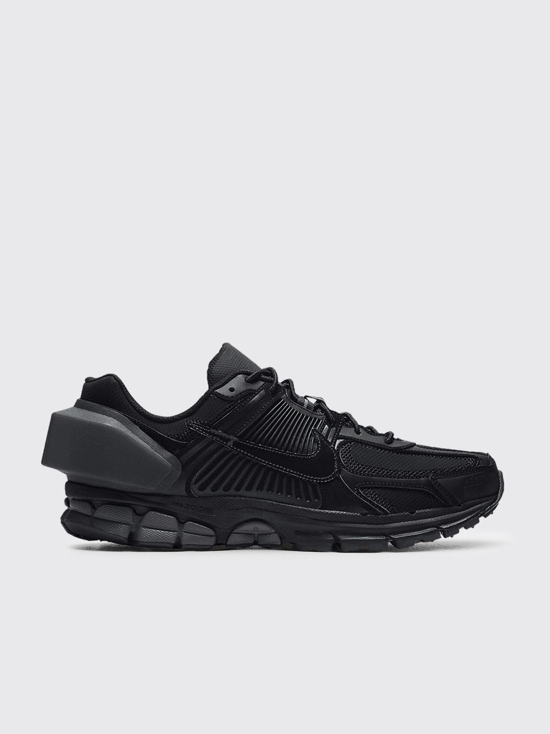 newest b21df 720c4 Très Bien - Nike x A-Cold-Wall  Zoom Vomero 5 Black   Reflect Silver